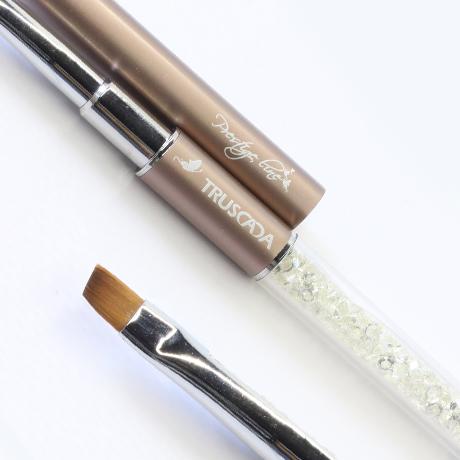 Prestige Crystal Smile Line Brush #02 (natural nylon) / PLBR20
